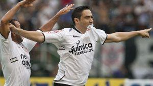 Exclusiva com Chicão: Qual Corinthians foi melhor, de 2009 ou 2012?