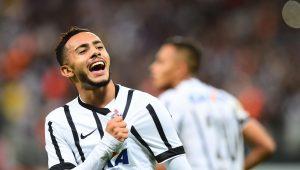 Destaque na Série B, Claudinho lembra passagem pelo Corinthians e lamenta falta de oportunidades