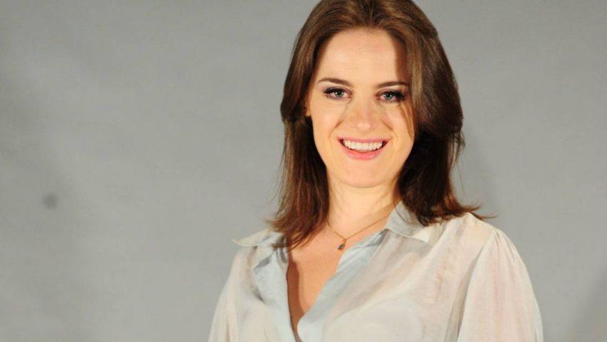 Alessandra Maestrini fará par com Danielle Winits em série cômica da Globo
