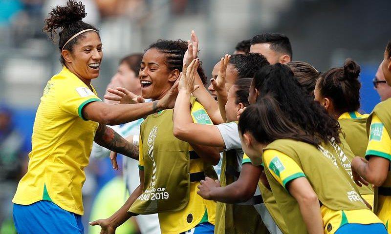 Jogo da seleção feminina de futebol duplica audiência no horário