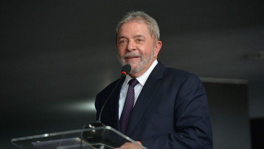 Jornalismo da Globo e 'Roda Viva', da TV Cultura, disputam primeira entrevista de Lula
