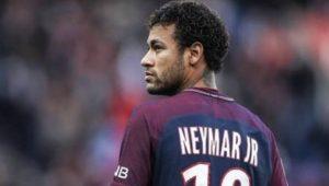 Fãs de Neymar no Brasil recorrem à gambiarra