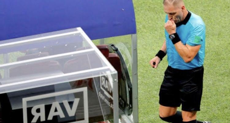 VAR na Copa América, se não treinar quem opera o equipamento os erros vão continuar.