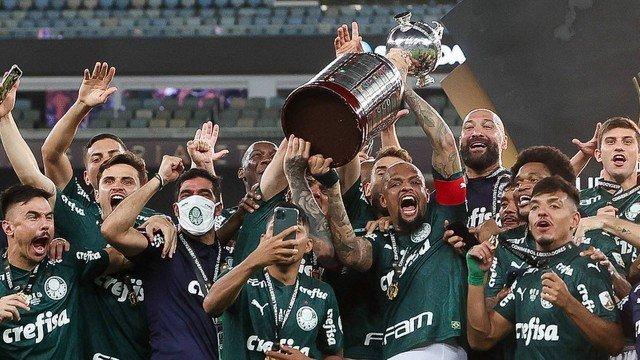 Parabéns Palmeiras, campeão da Libertadores. Santos também foi gigante