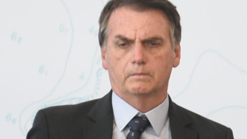 No Twitter, Bolsonaro lamenta massacre em Suzano