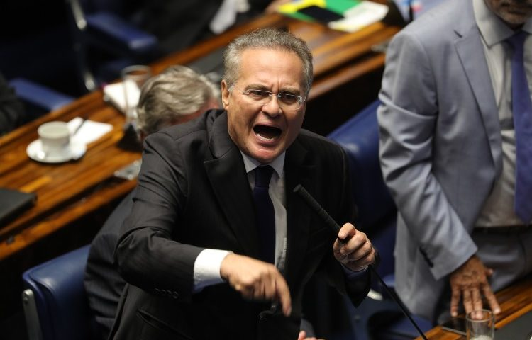 'Imagino a sua autoridade': Renan ouve o que não quer de Davi Alcolumbre no final da sessão