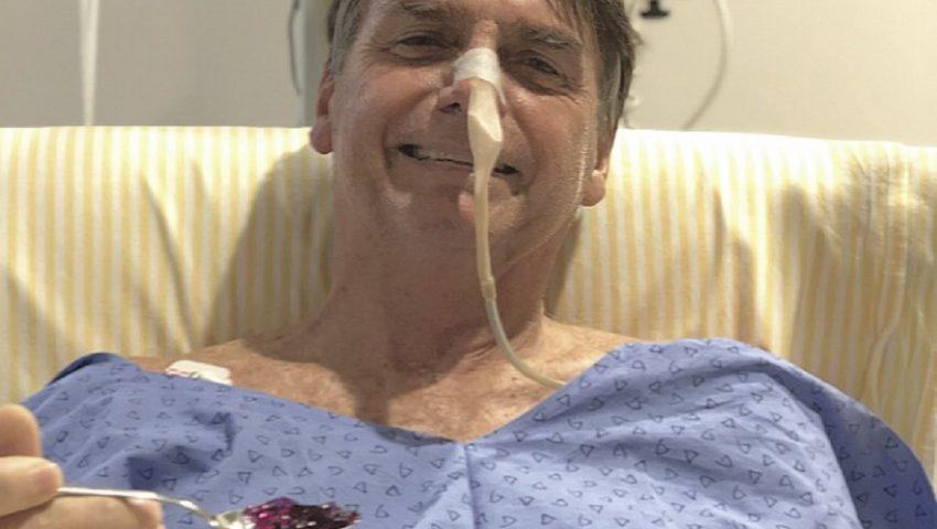 Bolsonaro, ao comer gelatina no hospital: 'Feliz, apesar de não ser aquele pão com leite condensado'