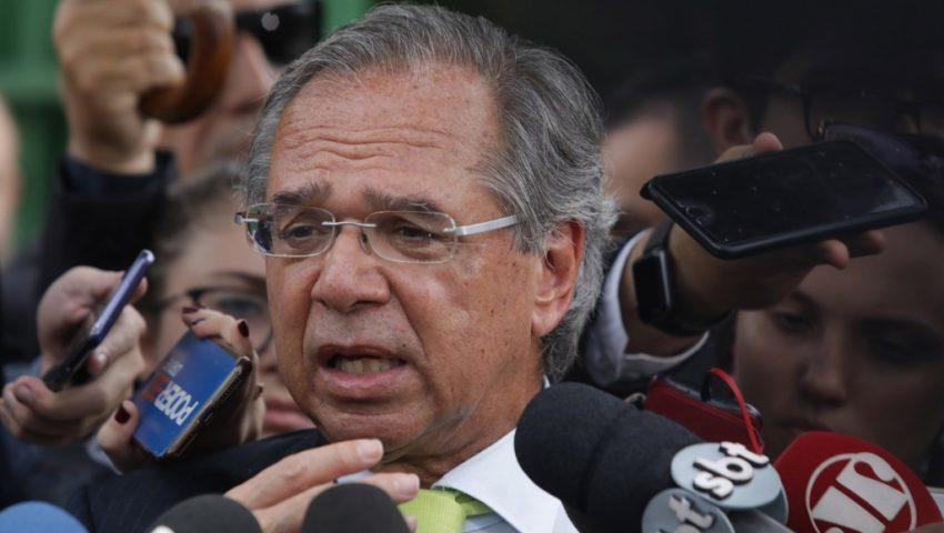 Oposição arma circo para atrapalhar fala de Guedes na Câmara