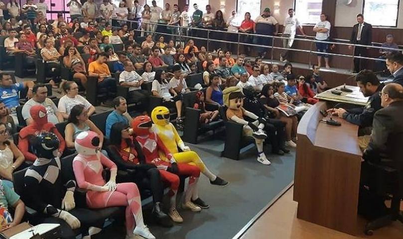'Power Rangers' e 'Homem-Aranha' pedem regularização de 'trenzinho' no Ceará