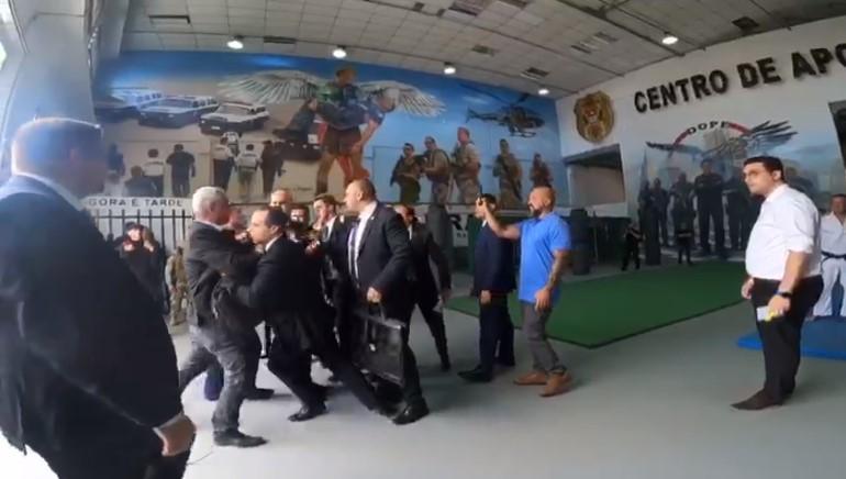 Major Olimpio e Doria quase partem para briga durante evento em São Paulo