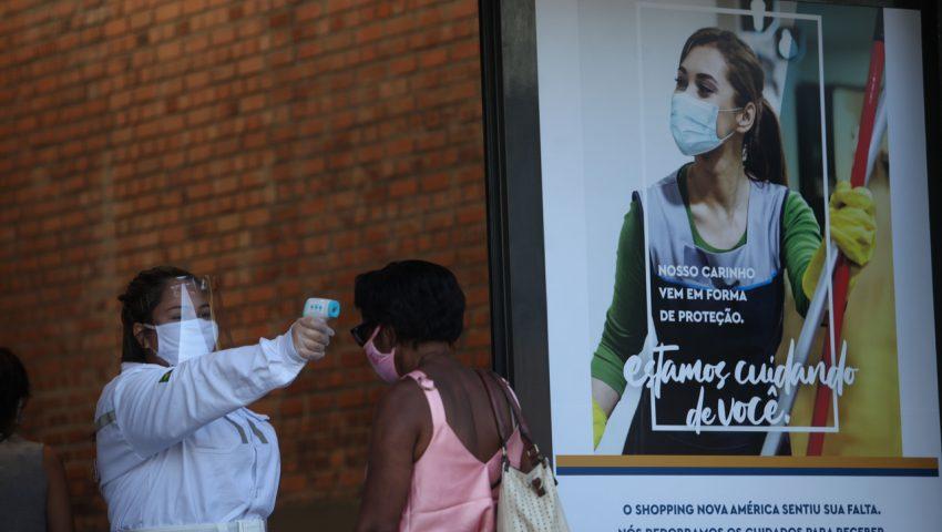 Número de infectados pelo coronavírus no Brasil é maior que a população do Amapá