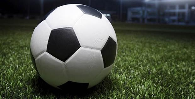 Domingo de pouco futebol na África