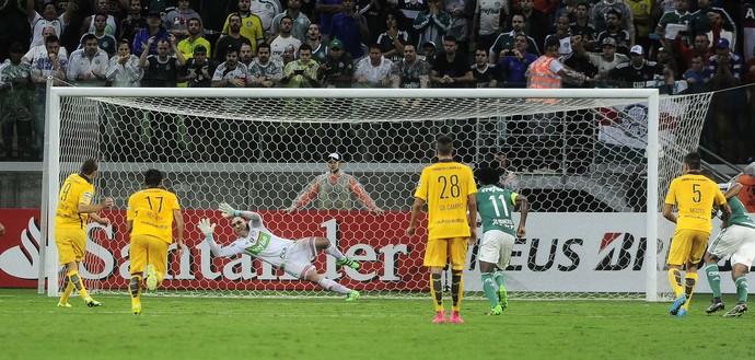 Prass brilha e Verdão vence batalha na Libertadores