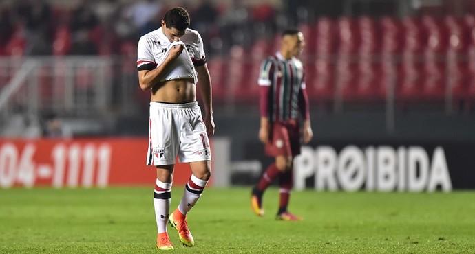 São Paulo acertou com Maicon? E a ausência do Ganso?