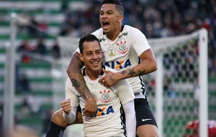 Corinthians segue vencendo sem Tite