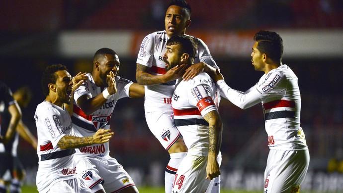 São Paulo volta a vencer e reforça o elenco
