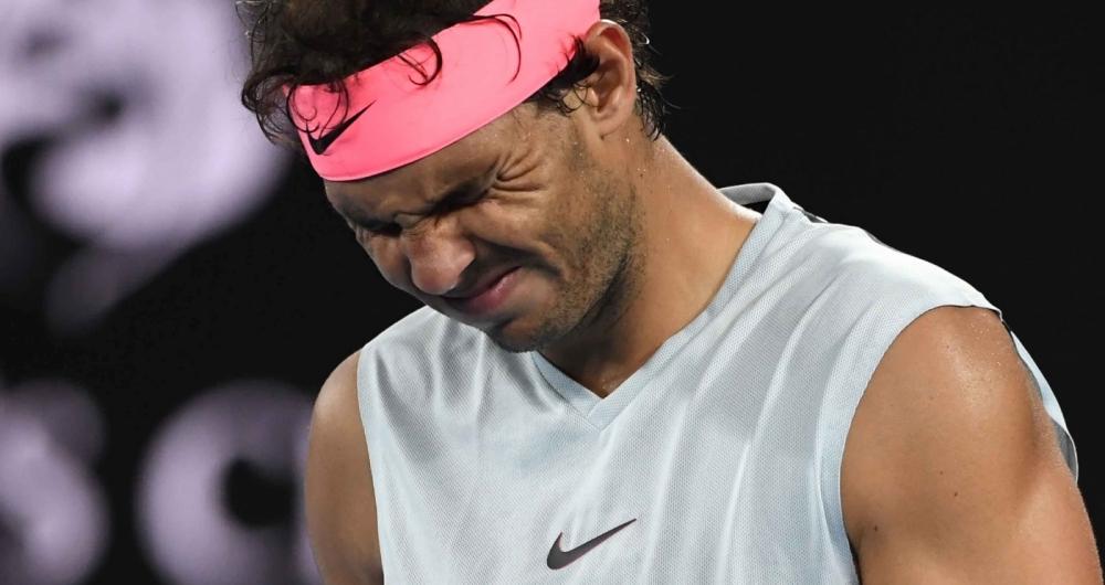 Nadal para e poderá perder número 1 para Djokovic