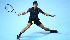 Djokovic vence a segunda e busca sétimo Finals