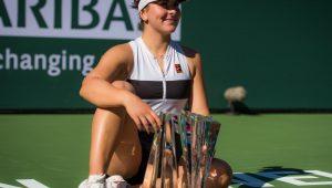 Andreescu leva primeiro WTA Premier