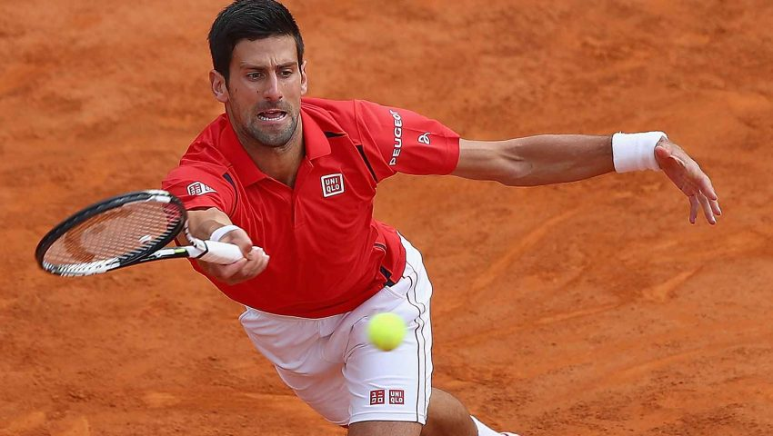 Djokovic amplia vantagem