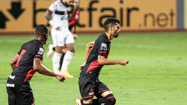 Atlético-GO estreia bem no Tapetão