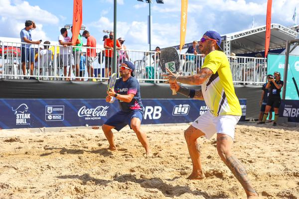 Favoritos estão na fase decisiva do ITF Sand Series de Beach Tennis em Brasília
