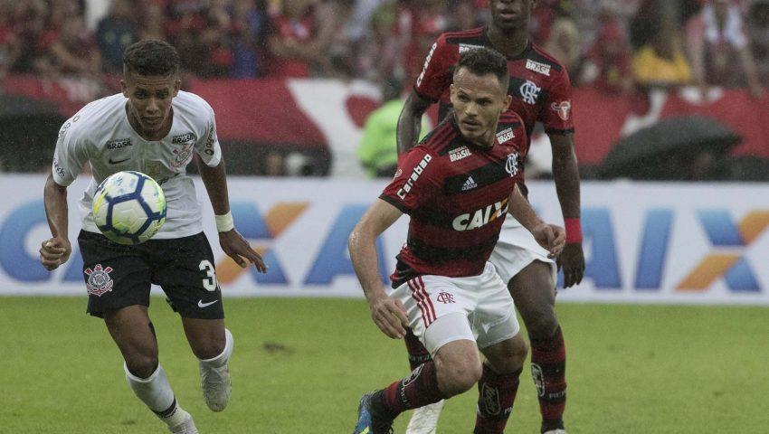 Corinthians tenta vaga na final