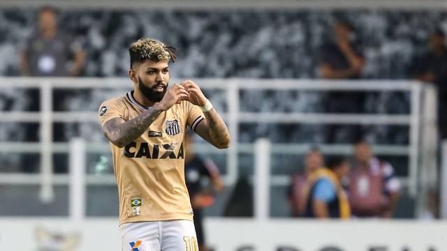 Derliz Gonzales é essencial no Santos