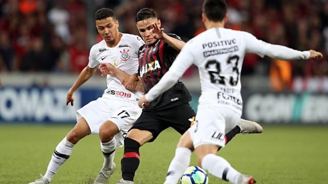 Corinthians precisa de muito mais