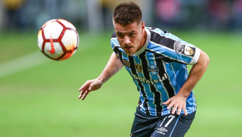 Pai de Ramiro confirma acerto do jogador com o Corinthians