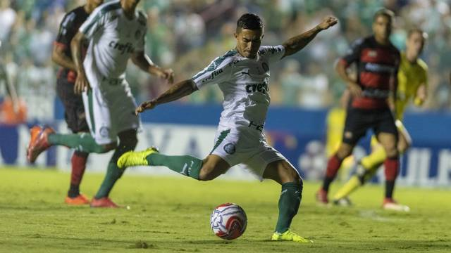 Palmeiras vence e aos poucos prova força do rodízio