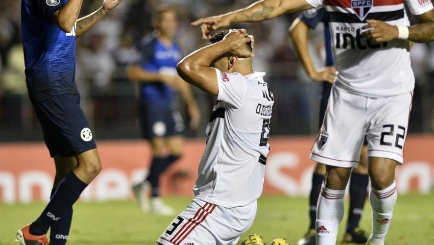 São Paulo incompetente em campo