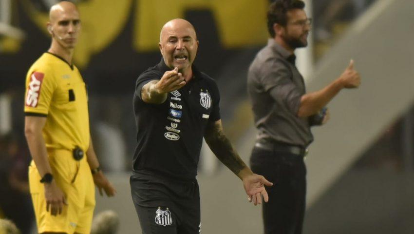 Santos vence e complica Vasco