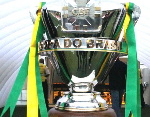 Copa do Brasil promete jogos emocionantes. Santos, Grêmio e Corinthians são os meus favoritos