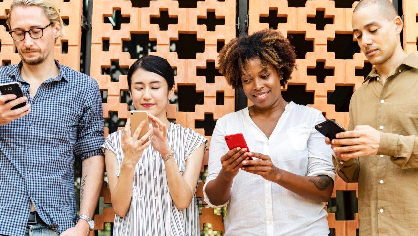 Dia do Solteiro: dicas para se dar bem nos aplicativos de relacionamento