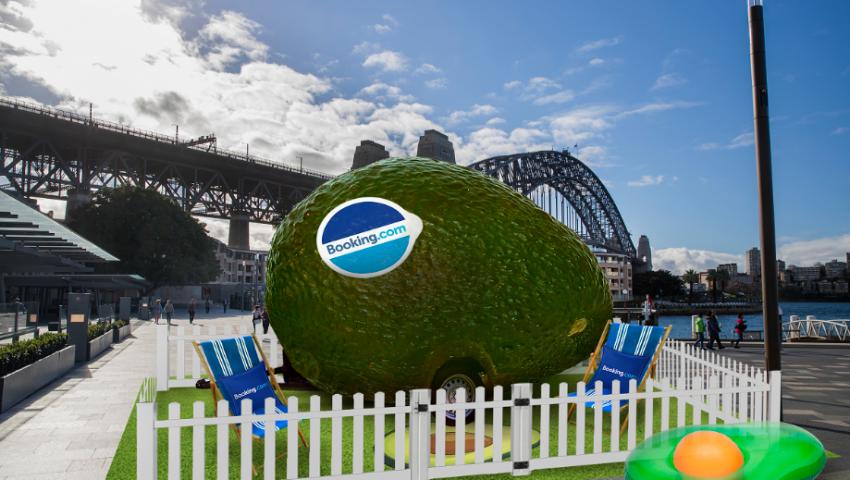 Booking.com cria a 1ª acomodação em forma de abacate