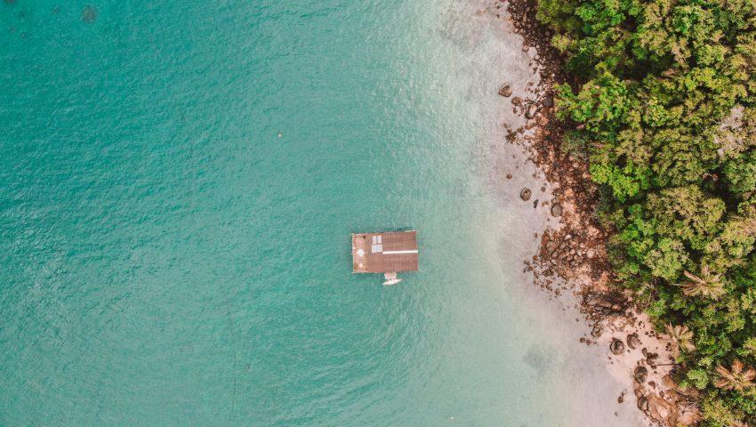 Casa flutuante de Ilha Grande