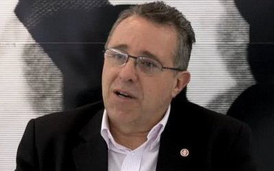 Diretor do Inter elogia estratégia do Santos para manter Neymar