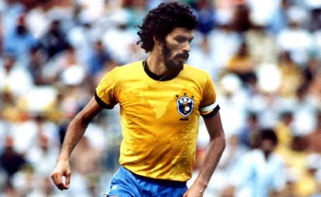Sócrates: o jogador mais original do futebol brasileiro