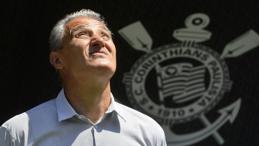 Tite foi o único técnico que acabou ileso no Brasileirão 2015